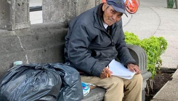 Don Baldemar recibió el apoyo de cientos de personas tras hacerse viral su historia en México. | Foto: @decosmonaute
