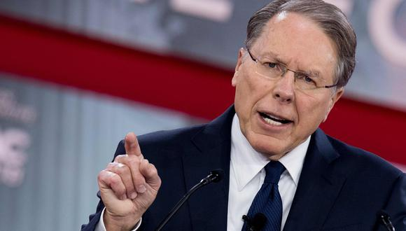 Wayne LaPierre, presidente de la Asociación Nacional del Rifle (NRA), usó la conferencia anual de los conservadores para su primer pronunciamiento público tras el tiroteo de Florida. (AFP).