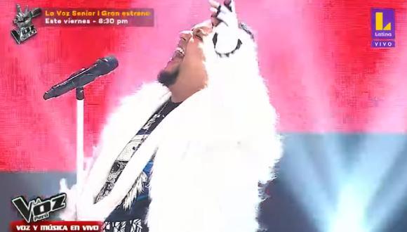 """Fito Flores cantó """"Pegasus Fantasy"""" de """"Los caballeros del Zodiaco"""". (Foto: Captura La Voz Perú)."""