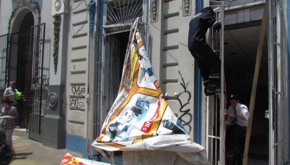 Lima multa a locales por tener publicidad sin permiso