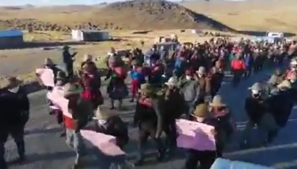Comunidades de Chumbivilcas protestan contra la empresa minera Las Bambas. (captura de video: Wilber Fuentes)