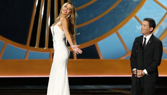 Critican a Sofía Vergara por broma en los premios Emmy