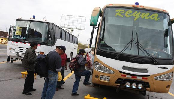 El transporte terrestre de pasajeros continúa paralizado en Lima y el interior del país, a causa de la pandemia.