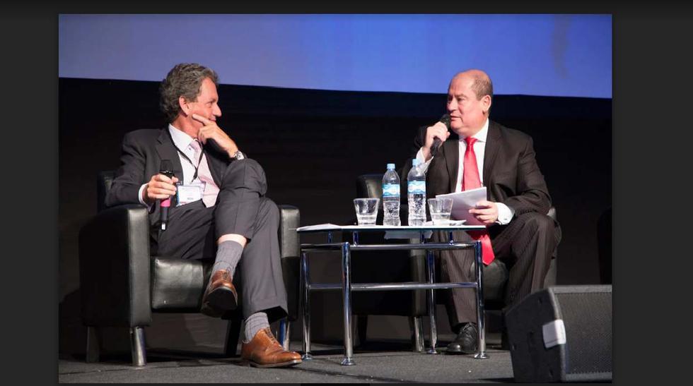 Alfredo Thorne, ministro de Economía y Finanzas, en diálogo con Melvin Escudero, gerente general, El Dorado Investments.