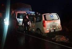 Pasco: choque entre camión y ambulancia deja tres muertos y un herido