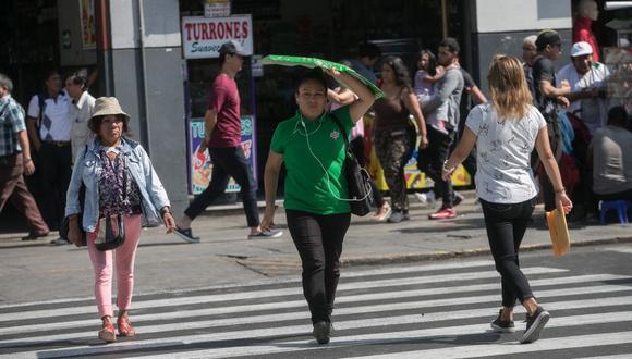 El Senamhi advirtió que el índice máximo UV en Lima alcanzará el nivel 15, especialmente cerca del mediodía. (GEC)