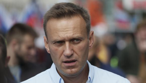 El activista de la oposición rusa Alexei Navalny en una imagen de archivo en un mitin en Moscú. (EFE/EPA/SERGEI ILNITSKY).