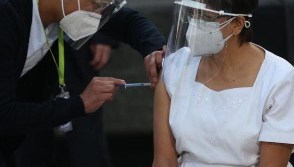 Las primeras dosis de la vacuna de Sinopharm contra el COVID-19 llegarán este domingo 7 de febrero. (Foto: EFE)