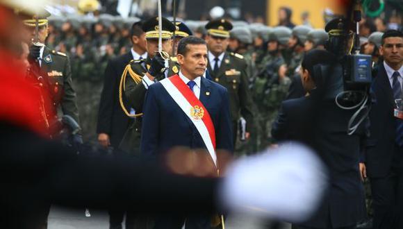 ¿Busca el oficialismo politizar las Fuerzas Armadas?