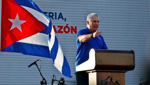 El presidente de Cuba, Miguel Diaz-Canel, participa en un acto de apoyo a la revolución en La Habana el 17 de julio del 2021. (EFE/ Ernesto Mastrascusa).
