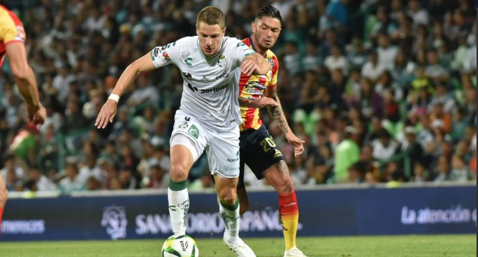 Santos ganó 1-0 a Monarcas Morelia de local y con golazo de Julio César Furch | VIDEO. (Foto: AFP)