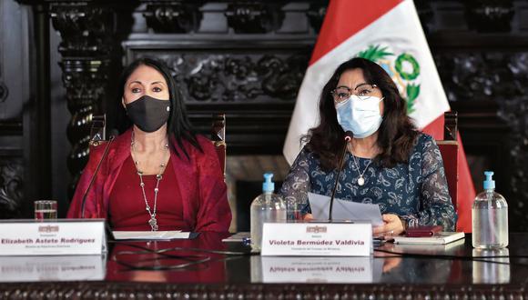"""""""Es que esa actitud solo consigue agudizar las contradicciones entre las versiones de la señora Astete y las de los representantes del Ejecutivo"""". (Foto: PCM)"""