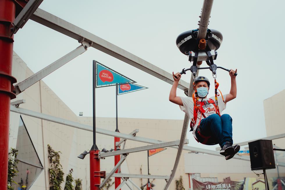 Disfruta del primer Rollglider del Perú, un juego de aventura al estilo de canopy en donde los usuarios podrán recorrer todo el espacio por los aires.