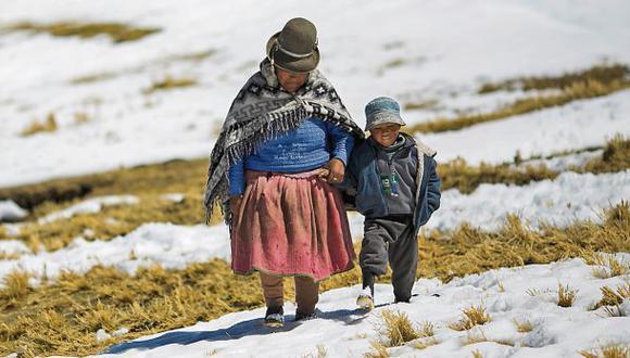 Dos niños muertos y 243 afectados dejan las heladas en Puno
