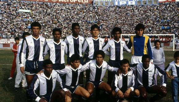 Juan Reynoso (cuarto contando desde la izquierda) es quien más tiempo duró en Alianza Lima luego de la tragedia. (Foto: Archivo Histórico El Comercio)