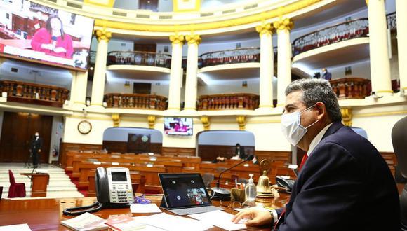 Pleno del Congreso sesiona este domingo en medio de las críticas por sus recientes decisiones, en especial, respecto a la inmunidad parlamentaria y los impedimentos para postular a cargos públicos (Foto: Difusión)