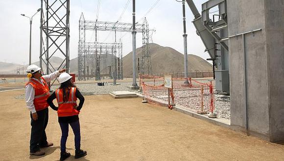 Más de 1.000 comercios e industrias han migrado al mercado libre en los últimos dos años debido a las distorsiones en el sector eléctrico, según los especialistas. (Foto: El Comercio)
