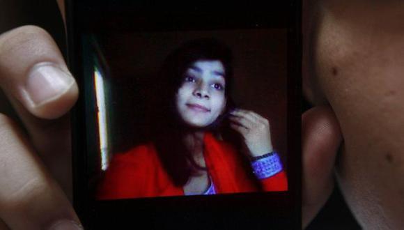 Pakistán: Sentencian a muerte a madre que quemó viva a su hija