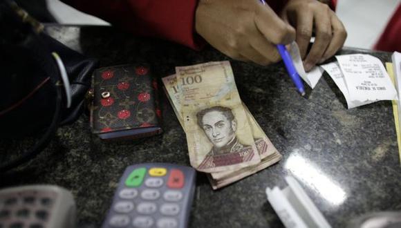 ¿Cómo y quiénes calculan el dólar paralelo en Venezuela?