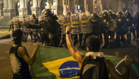 Brasil alista 10 mil policías antidisturbios