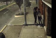 Chorrillos: delincuente encañona en la cabeza a menor y le roba su celular |VIDEOS