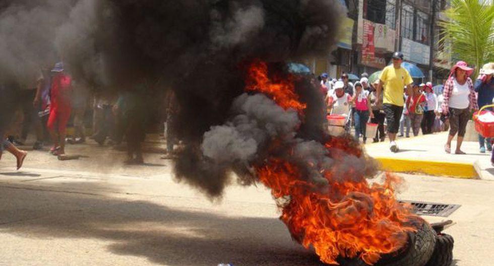 Paro en Madre de Dios: piquetes bloquean vías y queman llantas