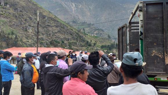 Después de 20 horas, los miembros de la comitiva de distribución de productos de la comuna de Quillo fueron liberados. (Municipalidad Distrital de Quillo)