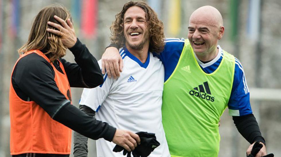 Maradona junto a otras estrellas se divirtieron en amistoso - 8