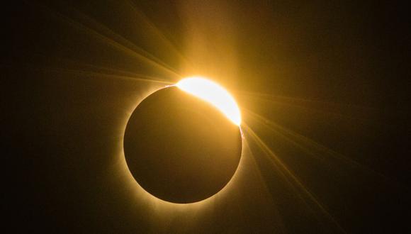 Imagen del eclipse solar total del lunes 21 de agosto de 2017 en Madras, Oregon. (Foto: ROB KERR / AFP)