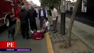 Cercado de Lima: choque entre taxi y auto deja una persona herida