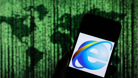 En esta ilustración fotográfica, se muestra el logotipo del navegador web Microsoft Internet Explorer en un teléfono inteligente. (Foto: Getty Images).