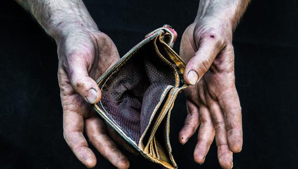 """""""Este economista prefiere el concepto de pobreza monetaria porque el uso que hace la gente de sus pocos o muchos ingresos pertenece a la esfera de la libertad individual"""". (Foto: Freepik)"""