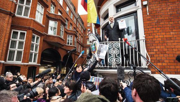 Encerrado en una embajada. Desde el 2012, el fundador de Wikileaks, Julian Assange, vive asilado en la embajada ecuatoriana en Londres, para evitar una extradición a Suecia.