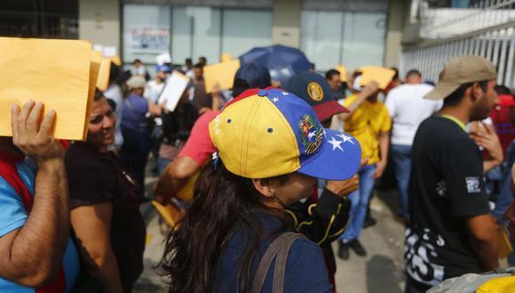 El sistema de citas en línea se activó a las 00:00 horas del miércoles 24 de enero para que los venezolanos que se encuentran en el Perú puedan reservar la fecha y horario de su atención, en la sede central de Migraciones, en Lima, o en las 14 jefaturas zonales del interior del país. (El Comercio)