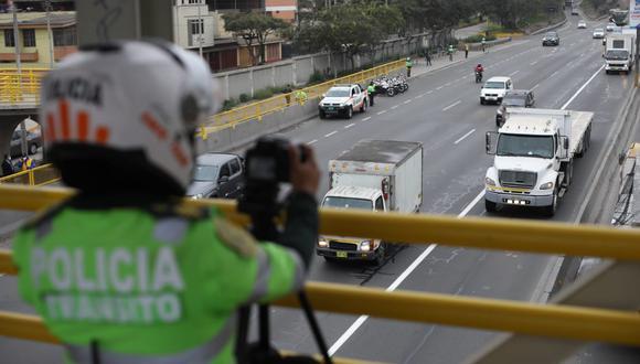 Luego de la marcha blanca de dos días, se pusieron multas de 344 soles a los camiones y vehículos que imcumplieron el 'pico y placa'. (Britanie Arroyo / @photo.gec)