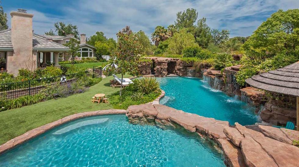 ¡Soñaré con ellas! 10 piscinas geniales de actores de Hollywood - 1