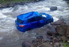 Huancavelica: hombre cae a río cuando conducía para rescatar a su esposa de asalto