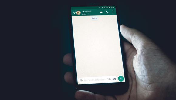 Conversación de WhatsApp. (Pixabay)
