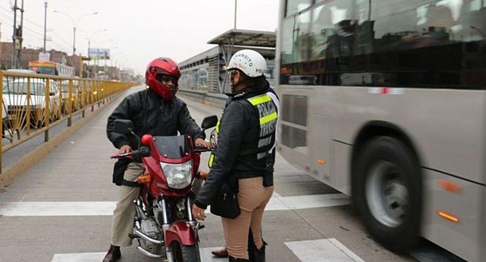 Metropolitano: multan a 80 vehículos por invadir vía exclusiva