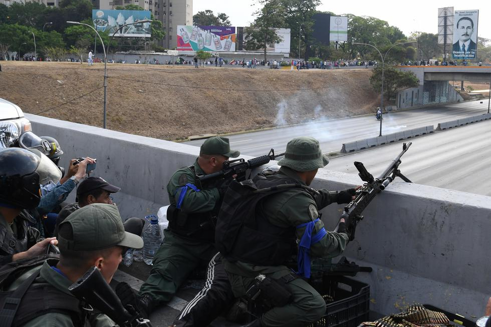 Disparos en base aérea donde Juan Guaidó liberó a Leopoldo López. Foto: AFP