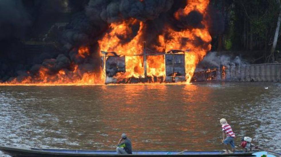Amazonas: grifo flotante se incendió en Santa María de Nieva - 1