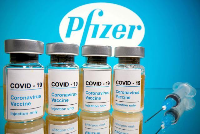 El Reino Unido se ha asegurado 40 millones de dosis de la vacuna de Pfizer. (REUTERS/Dado Ruvic/File Photo).