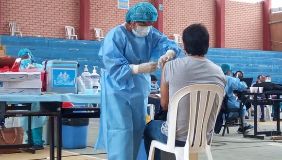 La vacuna del laboratorio Pfizer es la segunda en ocasionar más reacciones en los ciudadanos. (Foto: GEC)