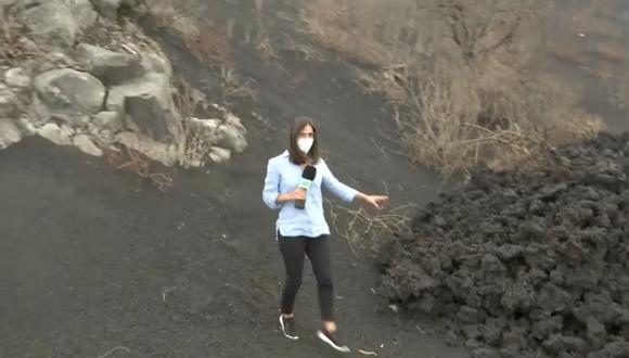 La periodista Miriam Jiménez se acercó demasiado a la zona de la erupción del volcán de La Palma. (Mediaset).