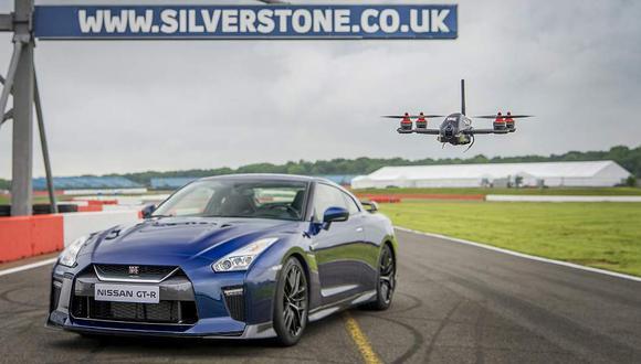 Nissan GT-R vs drone ¿Quién gana? [VIDEO]