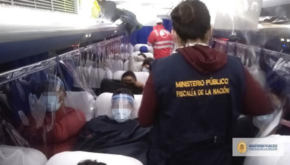 El ómnibus fue revisado por las autoridades en el límite de los distritos de Comas, Los Olivos y Puente Piedra. Había menores en el interior. (Foto: MP)