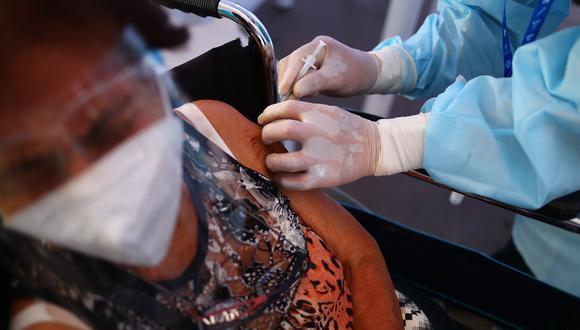 La vacunación contra el COVID-19 se va desarrollando conforme van llegando las dosis. (Foto: Archivo GEC)