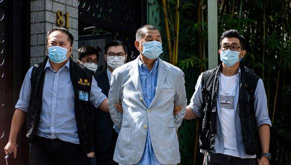La policía de Hong Kong detuvo al magnate de los medios de comunicación en favor de la democracia de Hong Kong Jimmy Lai el 10 de agosto. (Foto: VERNON YUEN / AFP).