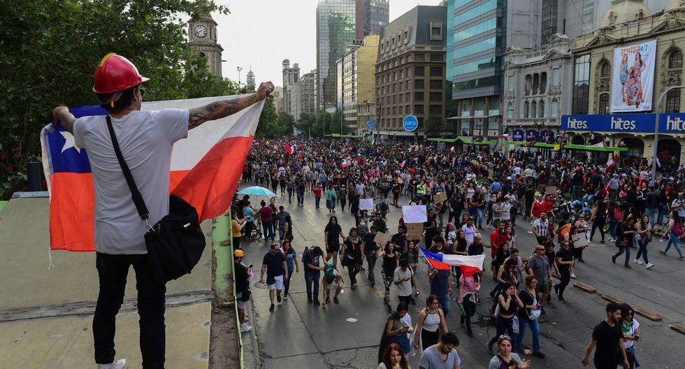 Se calcula que unos 400,000 trabajadores (de 1.3 millones que se estiman en el sector comercial) se han visto de alguna manera afectados por la semana de protestas. (Foto: AFP)