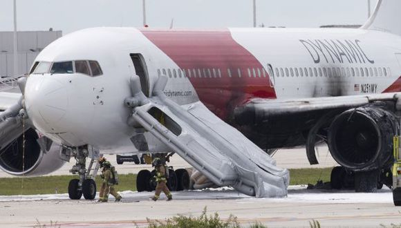 Incendio de avión en aeropuerto de Florida deja 15 heridos